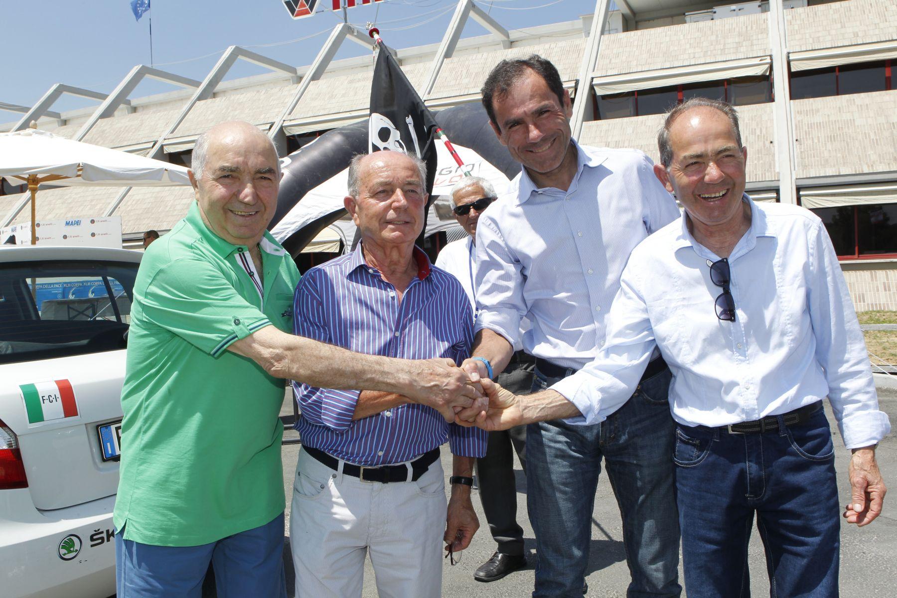 Davide Cassani in compagnia dei F.lli Anelli in occasione della Coppa della Pace 2014.